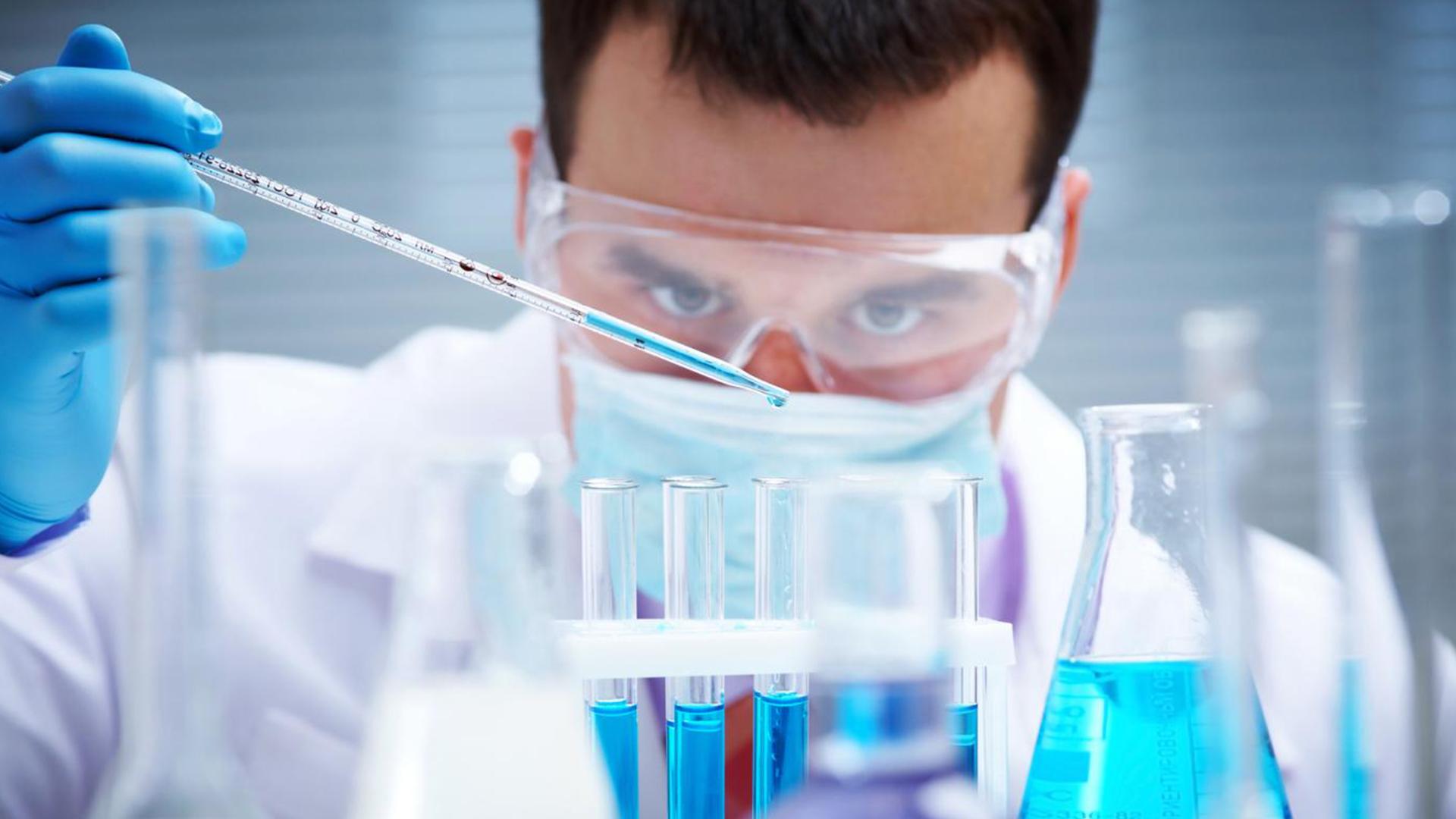scientifique-clonage